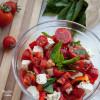 Salata de rosii cu branza si busuioc / Tomato salad with cheese and basil