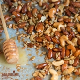 Mix dulce-sarat de nuci si seminte / Sweet & salty roasted nuts & seeds