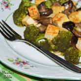Tofu cu ciuperci si broccoli / Mushroom & broccoli tofu dish
