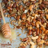 Mix dulce-sarat de nuci si seminte / Sweet & salty roasted nuts & seeds