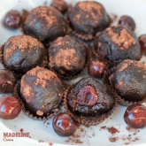 Trufe raw cu visine si ciocolata / Raw chocolate cherry truffles