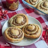 Rulouri cu scortisoara si curmale / Cinnamon date rolls