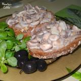 Bruschete cu ciuperci si usturoi