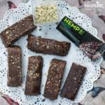 Batoane cu ciocolata si canepa / Chocolate hemp seed bars