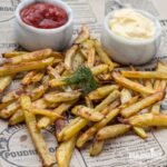 "Cartofi ""prajiti"" la cuptor / Baked french fries"