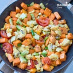 Cartof dulce cu avocado si oua / Sweet potato, avocado & egg scramble