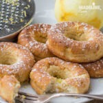 Gogosi coapte cu branza / Cheese baked donuts