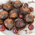 Trufe raw cu visine si ciocolata / Raw chocolate cherry truffles