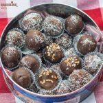 Bomboane cu ciocolata, rom si visine / Chocolate, rum and sour cherry truffles