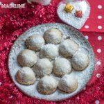 Fursecuri bulgari de zapada keto / Keto snowball cookies