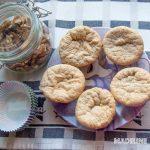 Briose keto cu nuca / Keto walnut muffins