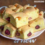 Prajitura pufoasa cu fructe de vara / Fluffy summer fruit sponge cake