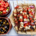 Frigarui grecesti cu pui / Grilled Greek chicken skewers