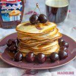 Clatite pufoase cu cirese / Cherry pancakes