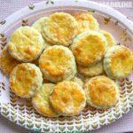 Biscuiti pufosi cu branza / Fluffy cheese biscuits