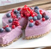 Tort raw cu fructe de padure / Raw forest fruit cake