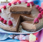 Tort raw vegan de ciocolata  / The ultimate raw vegan chocolate cake