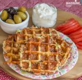 Gaufre cu pui, dovlecel si cascaval / Chicken zucchini cheese waffles
