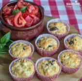 Briose aperitiv cu pui si parmezan / Chicken parmesan muffins